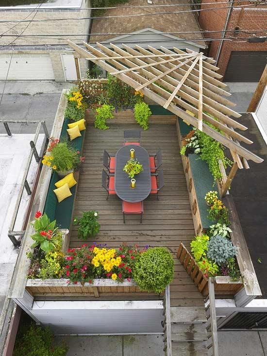 Balcones y terrazas todos al fresco lazareno estudio - Maceteros colgantes para balcones ...